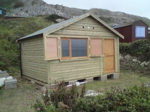 14ft x 11ft Customised Beach Hut 14JPG-min