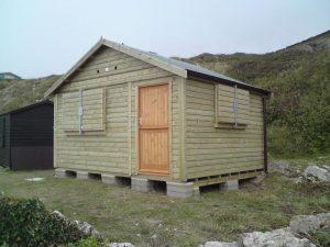 14ft x 11ft Customised Beach Hut 19JPG-min